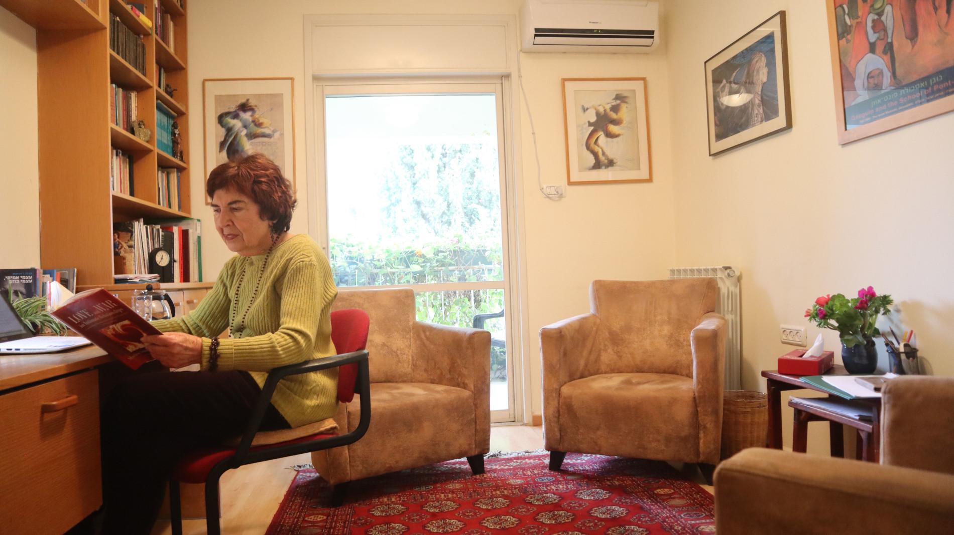 דורית נוי-שרב: חדר משלה ומשלו
