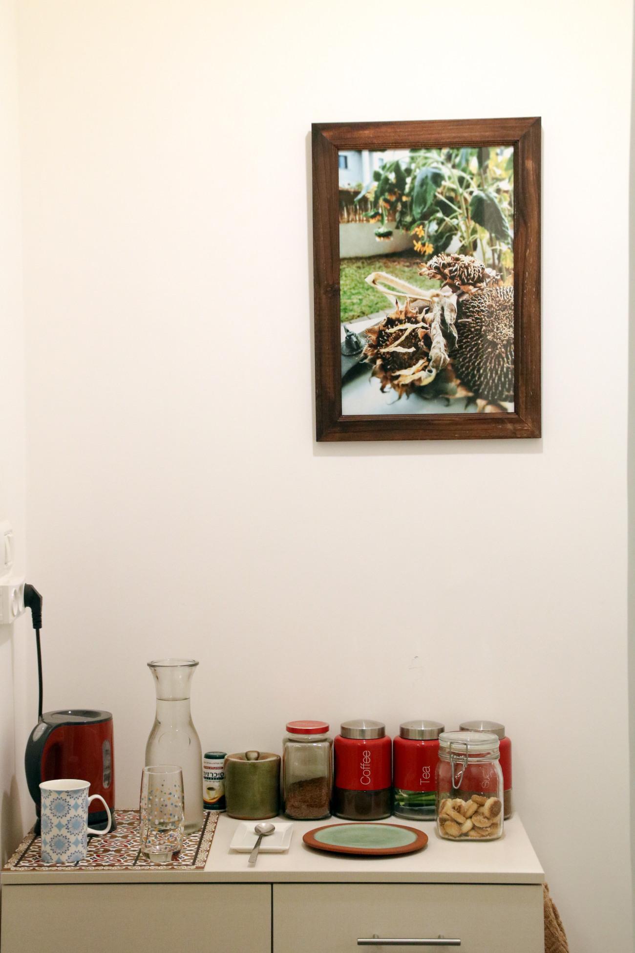 תמונה בקליניקה ליד המטבחון