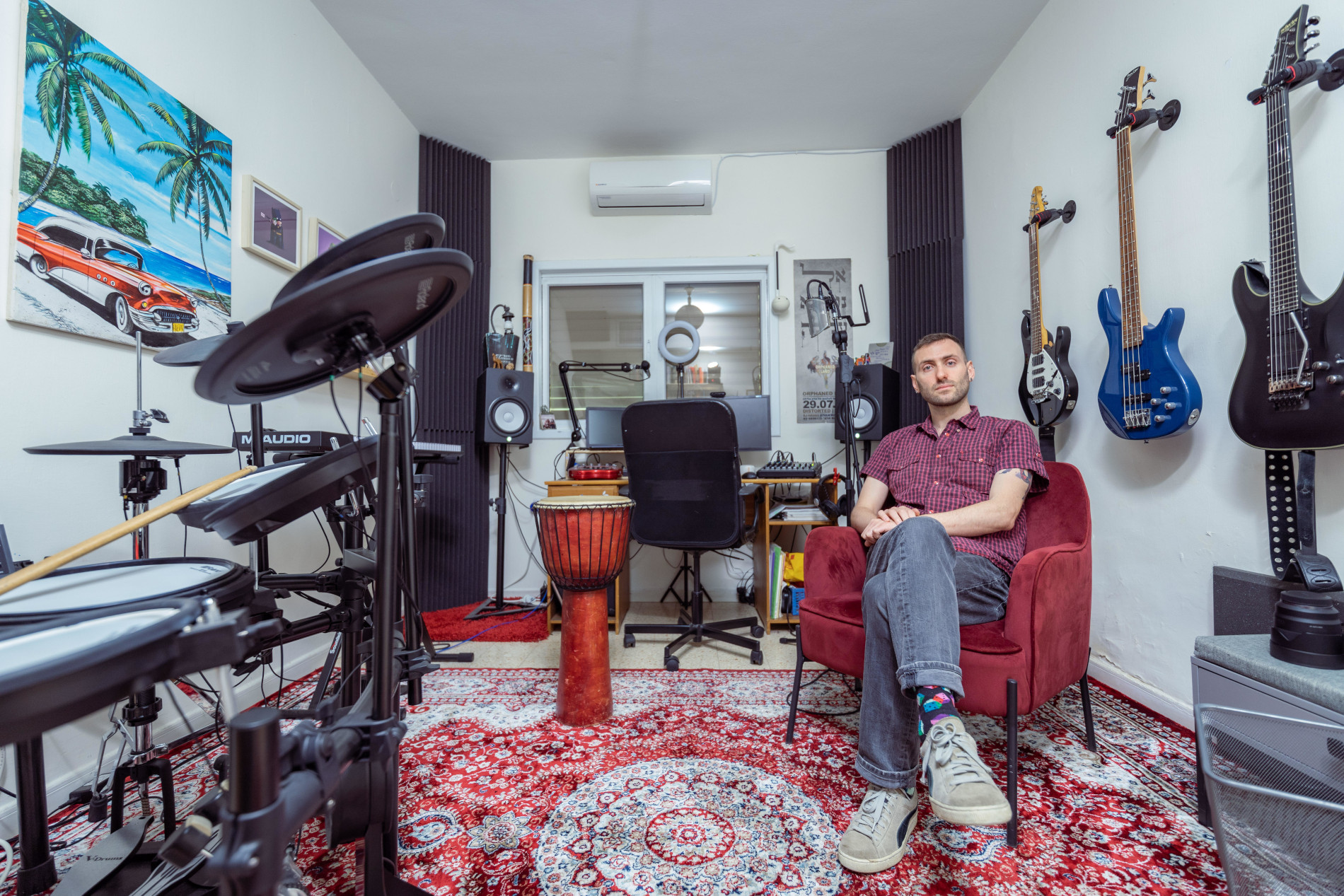 ניב ארביב-דוגו: בין דיבור, נגינה והאזנה למוסיקה