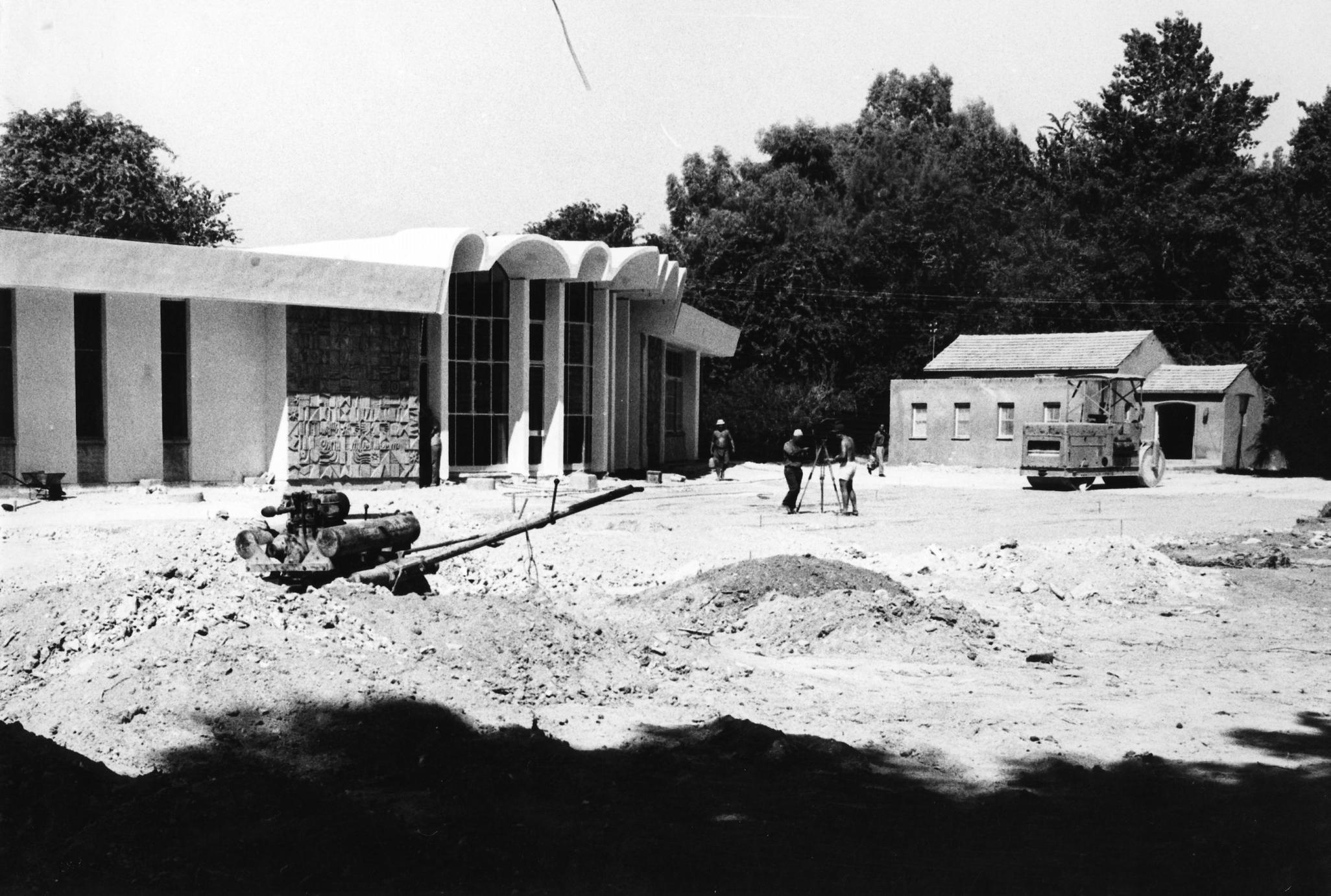 סיום בניית חדר האוכל הנוכחי, קיבוץ שער הגולן, 1968