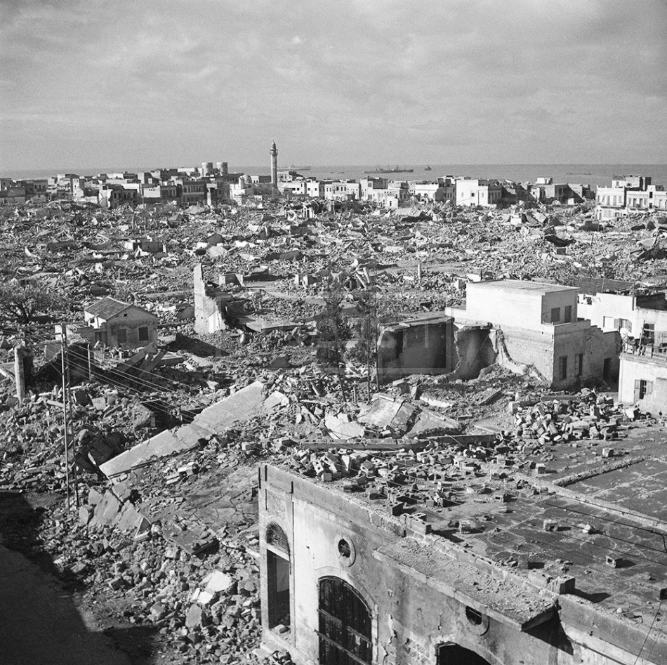 חורבות שכונת מנשייה, תל-אביב, 1948.